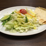 マウントエベレストレストラン - セットのサラダ。なかなかしっかりしたもの。