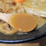 肉玉そば おとど - スープ
