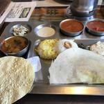南インド家庭料理 カルナータカー - Aセット