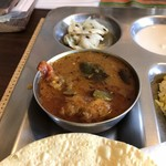 南インド家庭料理 カルナータカー - 野菜のカレー