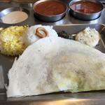 南インド家庭料理 カルナータカー - ドーサとサフランライス
