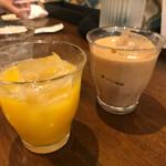 spice&cafe SidMid - オレンジジュース&アイスチャイ