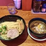 味箪笥 - 料理写真:「とろりつけそば半熟味玉」1000円+「大盛り」150円
