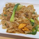 タイレストラン サワディー - 料理写真:タイ風豚肉炒めうどん (パッ・シーユ・ムー)