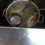 亀鶴 - ベースのスープは鶏ガラ