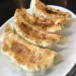南京亭 - 手作りジャンボ餃子