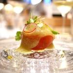 SUGALABO - 毛蟹(北海道)とフルーツトマト 関金わさびソース