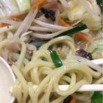 中華そば 飯村製作所 - タンメン麺アップ
