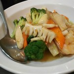 香蘭 - 海鮮とブロッコリーの炒め