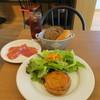 ナイス トゥー ミート ユー コダマ - 料理写真:ビーフシチューのミートパイ  生ハム サラダ パン&アイスコーヒー
