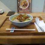 箸とレンゲ - ぶどう山椒の麻婆麺+味玉
