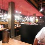 ラー麺 ずんどう屋 - 店内雰囲気