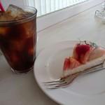 フルーツショップ青森屋 - タルトセット(860円) あかつきのタルト&アイスコーヒー