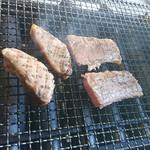 肉の岸沢屋 - 焼き最中