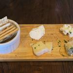 CONA - チーズ盛り合せ