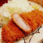 富士喜 - 「厚切り ロースカツ」1.380円がランチタイムで1.180円