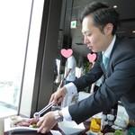 叙々苑 - すだれ炙り焼きと藤田マネージャー