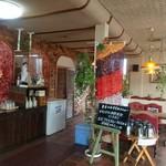 ファミリーレストラン ニューあぶくま - 店内