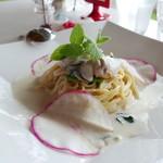 プティ キャナル - 牡蠣のクリームソースパスタ