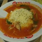 太陽のトマト麺 - トマトチーズラーメン 800円 粉チーズがたっぷりでトマト好きにはたまらん