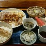 力鶴 - 焼肉定食(ステーキたれ) 1365円 お盆の期間で、休日価格でした