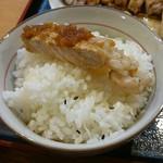 力鶴 - 良質な豚肉を使っている印象は変わらず 筋張った部分はなく、脂身はとろけます
