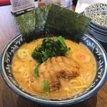 麺屋 武士道 - 濃厚豚骨醤油ラーメン680円