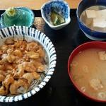 食事と民宿 八幡 -