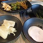 ヨプの王豚塩焼 熟成肉専門店 - 付け合せ