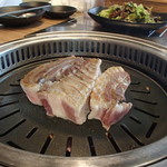 ヨプの王豚塩焼 熟成肉専門店 - 熟成サムギョプサル