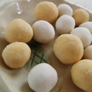 中西ピーナツ - 料理写真:内側豆菓子外側ラムネ