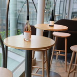 apero. wine bar aoyama - ハイテーブル