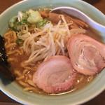 麺通 - らーめん:太麺(背脂醤油) 780円