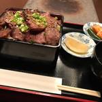 昇家 正々堂 - 塩タン重 980円+肉増し450円+ご飯大盛り100円