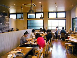 Cafe brunch TAMAGOYA - 店内女子ばっか