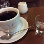 喫茶なつめ - 右の小さいグラスが温泉水。