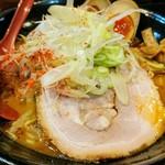 麺処 花田 - 海老醤旨辛赤味噌ラーメン+味玉 1070円