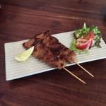 ワルン ジャムカレット - 豚バラ肉の串焼き