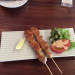 ワルン ジャムカレット - 鶏もも肉の串焼き
