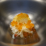 71509657 - 毛ガニと白芋茎、いくら、土佐酢のジュレ