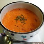 キッチンピーナッツ - セットに付いてくるスープ