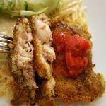 キッチンピーナッツ - チキンの香草パン粉焼き