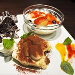 ファーム トゥー テーブル デ サリータ - デザートの盛り合わせ