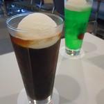 ブルーバード - コーヒーフロート&クリームソーダ