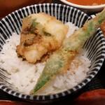 71514902 - 白飯とタレで天丼