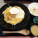 かつ丼 いなば和幸 - ローススペシャルかつ丼(1030円)