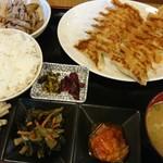 餃子 たかすみ - 料理写真:
