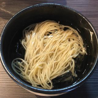 柳麺 呉田 - 料理写真:「瑠そば Premium」1200円の水そば