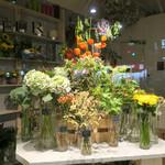 カフェ ラ・ボエム - 夏の夜のお花屋さん