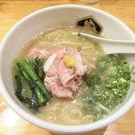 真鯛らーめん 麺魚 - 料理写真:濃厚真鯛らーめん